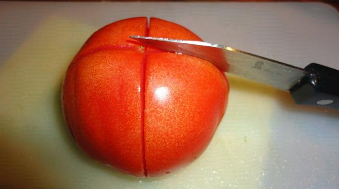 como pelar tomates en la cocina de la abuela