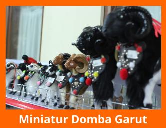 Oleh oleh Miniatur Domba Garut