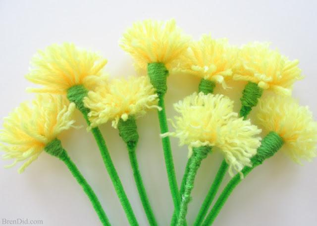 http://brendid.com/easy-tassel-flowers-diy-dandelion-bouquet/