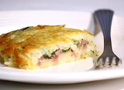 Batata Rosti com Agrião e Cebola Roxa (vegana)