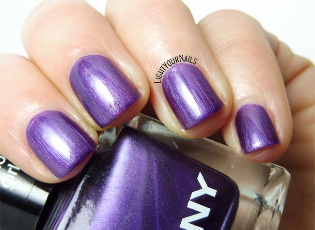 Smalto viola Anny Glamour Girl purple nail polish