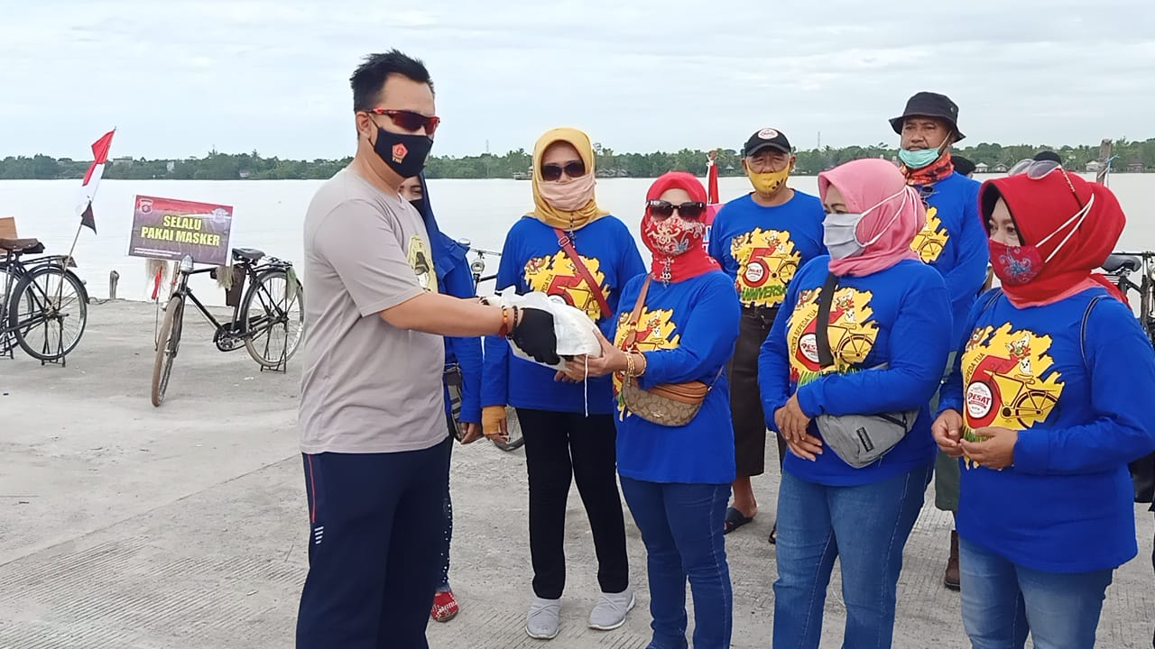 Bersama Onthel Peduli Covid-19, Polres Pulang Pisau Kampanyekan Protokol Kesehatan