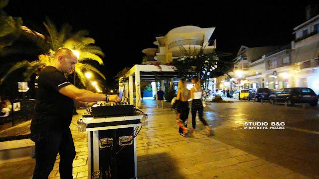 Πλημμύρισε το Ναύπλιο με τις μουσικές του Μίκη Θεοδωράκη (βίντεο)