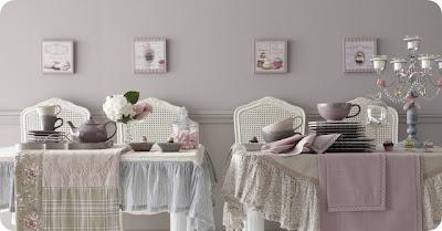 Boiserie c rosa cipria e azzurro polvere for Pareti rosa cipria