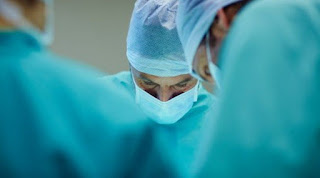 cirurgia de aumento de pênis.