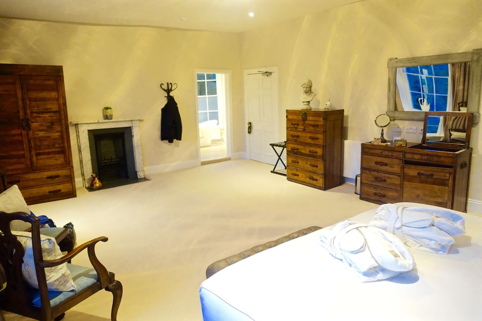 huge deluxe suite at sudbury house hotel