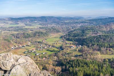 Dolina Bobru w kierunku wschodnim; widok z Sokolika