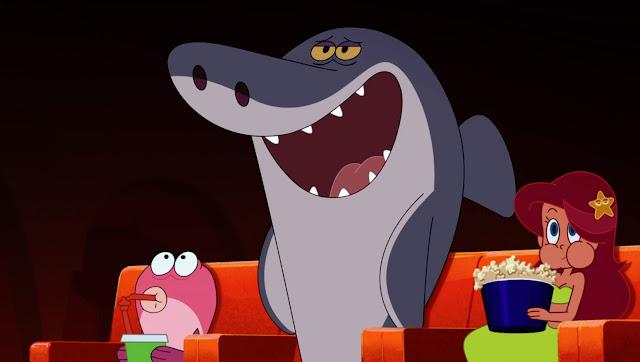 marina devora un cubo gigante de palomitas en el cine