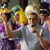 """Padre católico homenageia drag queens em SP e fala sobre """"aceitar o outro como ele é"""""""