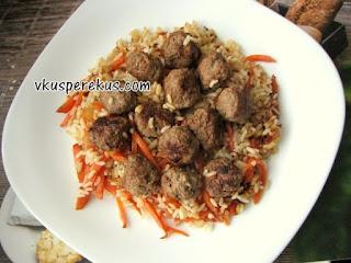 фрикадельки с рисом в азиатском стиле