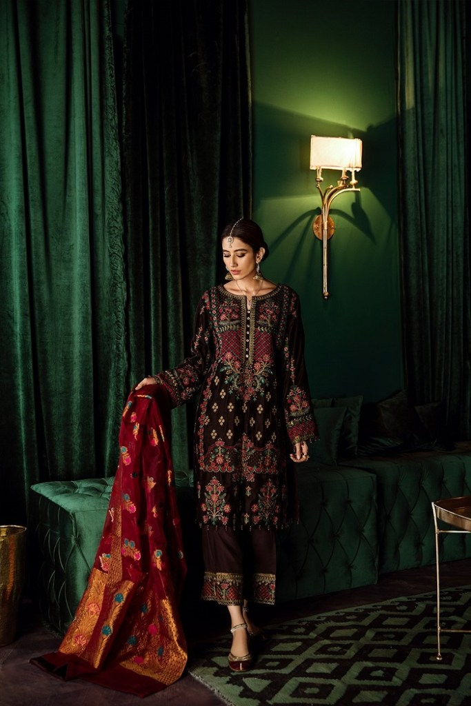 Iznik Velvet Embraided Festive Collection