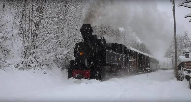 Mocănița din Maramureș pe timp de iarna
