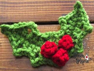 http://translate.google.es/translate?hl=es&sl=en&tl=es&u=http%3A%2F%2Ffromhomecrochet.com%2F2013%2F11%2F14%2Fholly-and-berries-crochet-pattern%2F