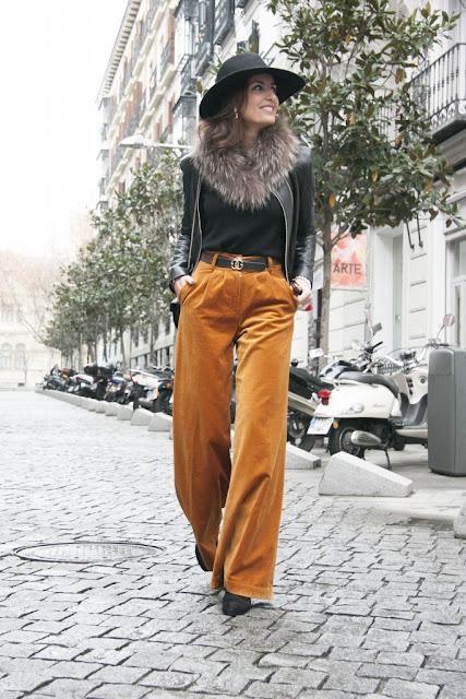 Monica de Tomas con pantalones palazzo en spicy mustard #velvet | mamayfashionista.blogspot.com