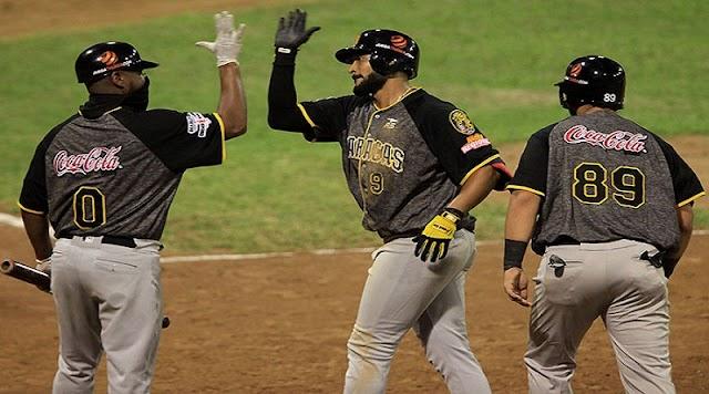 Los Leones del Caracas vencieron 6 carreras por 1 a los Tigres de Aragua