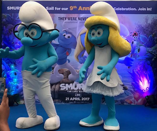 Smurfs at Oberoi malls 9th Anniversary celebration -1 (2)-min