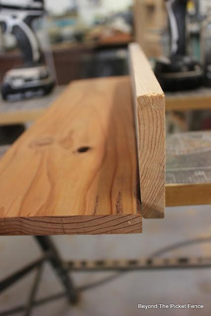 divided shelf, bar cart, pallet wood, reclaimed wood, http://goo.gl/vDoqBv