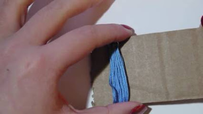 Cara Membuat Anting Pom Pom Bulu Panjang dari Benang Wol Yang Kekinian Banget