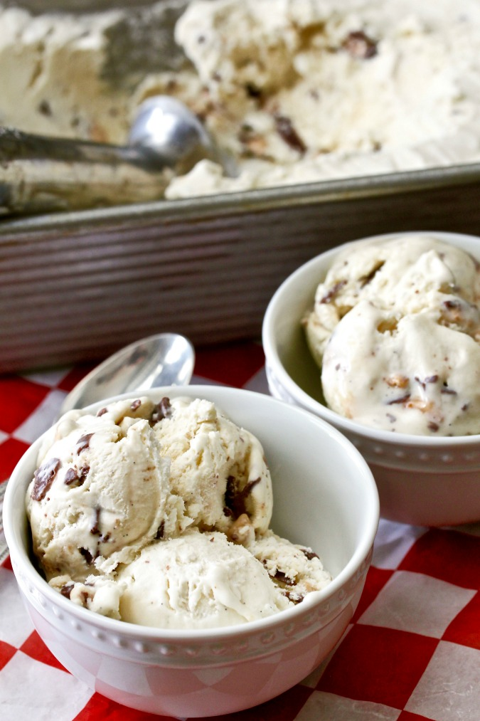This Heath Bar No-Churn Ice Cream is so rich and creamy.. and perfect for a summer evening treat.