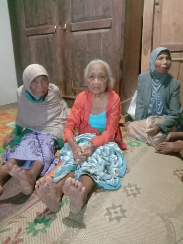 Dikabarkan Hilang Diladang,Mbah Karso Ditemukan Anaknya Sendiri Dijalan Menuju Rumahnya