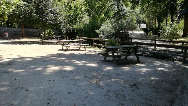 Parque de Merendas da Praia Fluvial das Taipas