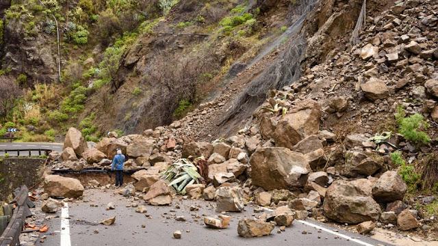Landslides in north Sikkim near border