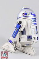 S.H. Figuarts R2-D2 21