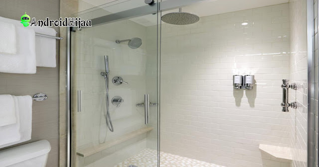 kamar mandi shower minimalis dengan sekat kaca ala hotel
