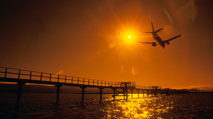 commercial airline industry This statistic shows the net profit of commercial airlines worldwide from 2004 to 2018 in 2018, the net profit of commercial airlines is projected to reach around 38.