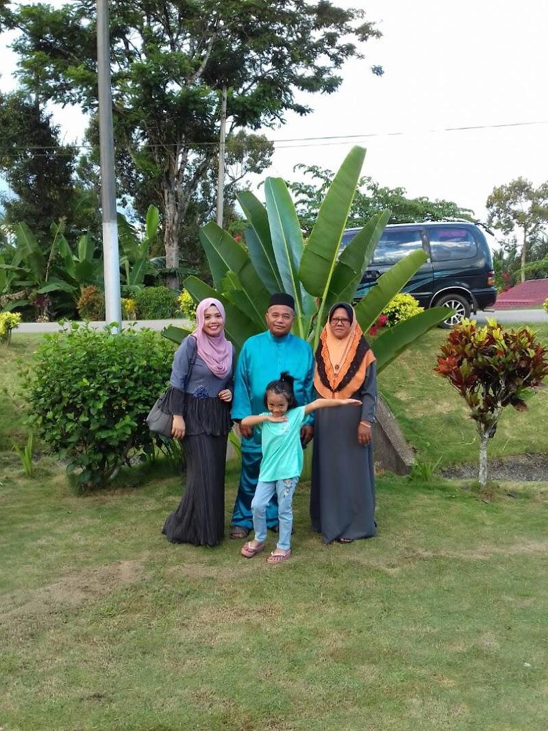 Riang Ria Hari Raya Bersama Keluarga Tercinta