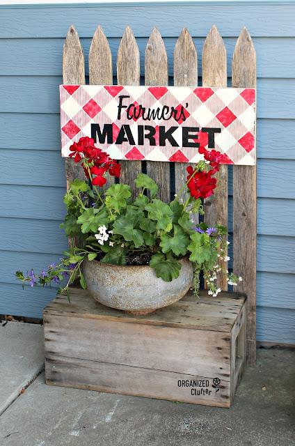 Picket Fence & Crate Junk Garden Decor/Buffalo Check Farm Sign