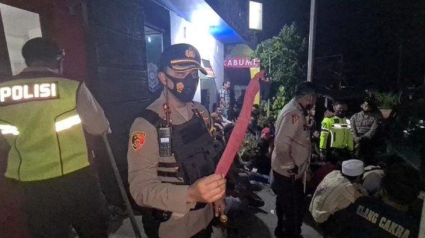 Aksi Tinju di Minimarket Picu Bentrok Dua Ormas di Sukabumi