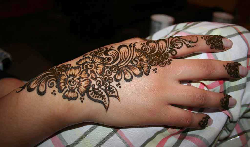 Henna Mehndi Tattoo Designs Idea For Wrist: Venny Wildha: Henna Tattoo Designs