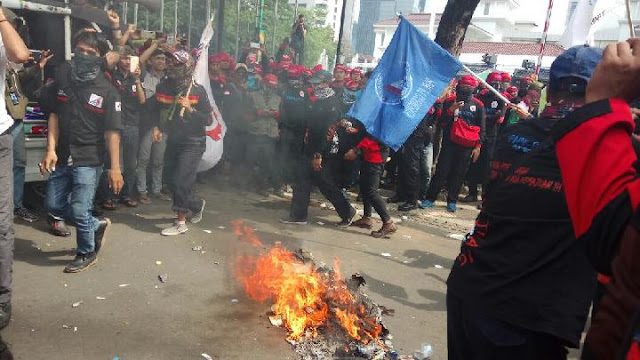 buruh, demo, anies, sandi