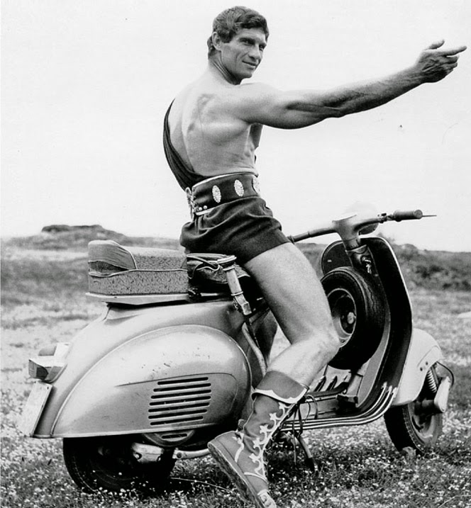 13 vintage photos of celebrities who love riding vespas