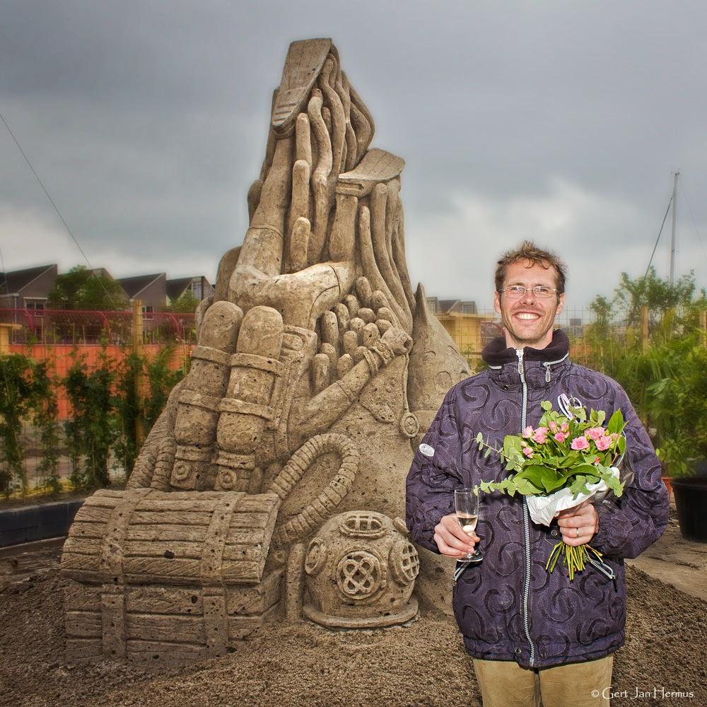 Jeroen Advocaat is Nederlands kampioen zandsculpturen Sneek