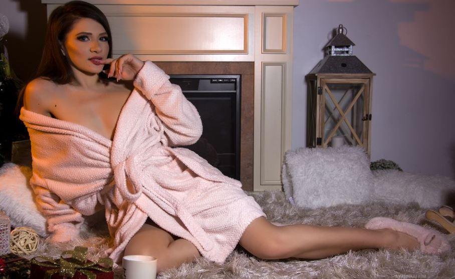 https://www.glamourcams.live/chat/AyannaAfrim