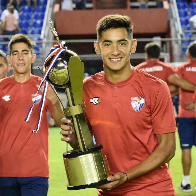 Meza, campeón con Nacional