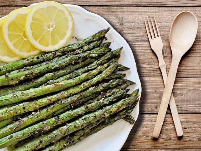 lemon pepper asparagus | baked lemon pepper asparagus