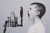 لماذا تكره سماع صوتك مسجلاً ؟