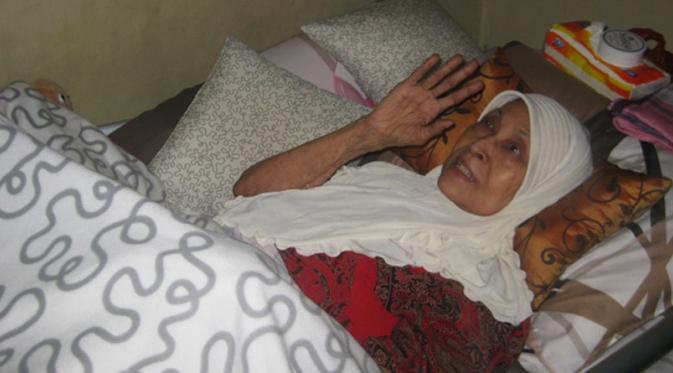 Ketegaran Aminah Cendrakasih di Atas Tempat Tidur Selama 10 Tahun