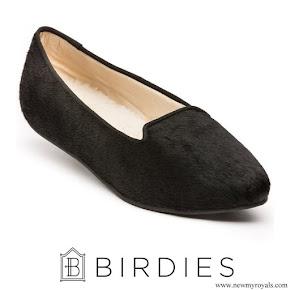 Meghan Markle wore Birdies Blackbird Smoking Slippers