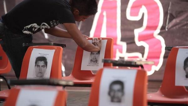 Responsable policial del caso Ayotzinapa será investigado