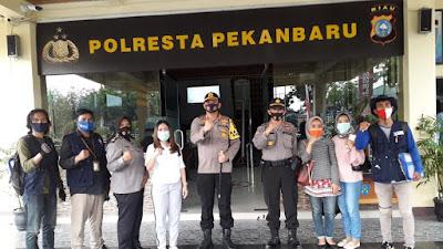 Polresta Pekanbaru Salurkan 4039 Paket Sembako Dari Kementrian Pariwisata RI.