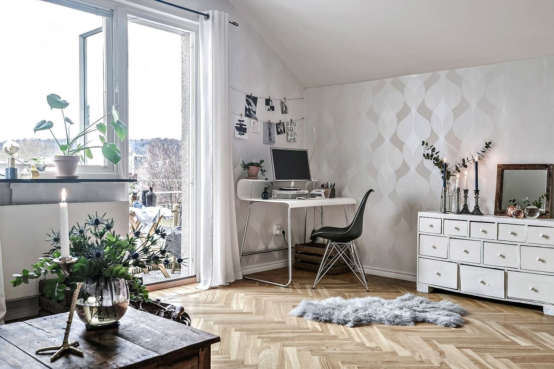 oficina en casa, zona de trabajo, escritorio, estilo nordico, decoracion nordica, wall art, papel pintado, centro floral, flores, terraza