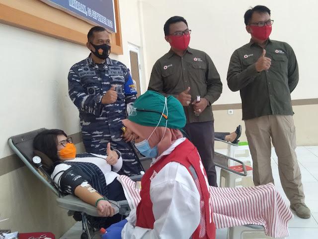Sinergi Lanal Mataram Dan PMI LOBAR Berhasil Kumpulkan 121 Kantong Darah