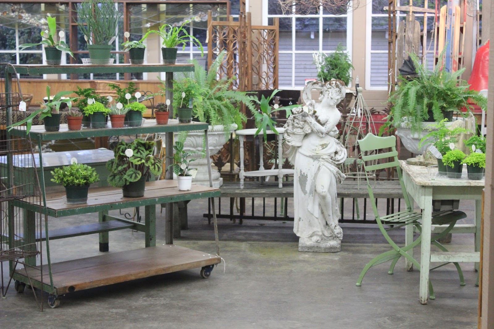 Monticello antique marketplace salvage garden for Portland spring home and garden show 2017