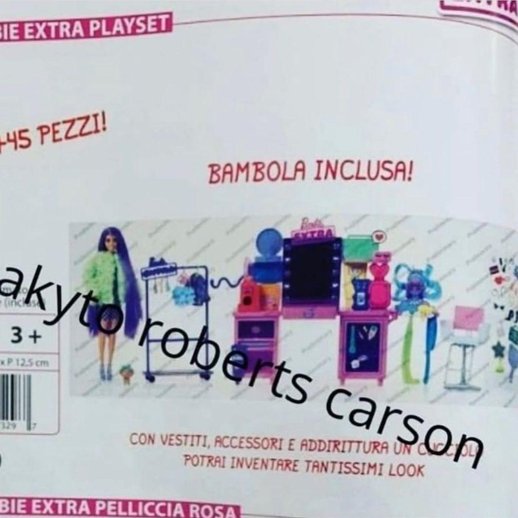 Игровой набор Barbie Extra Playset с куклой и салоном красоты