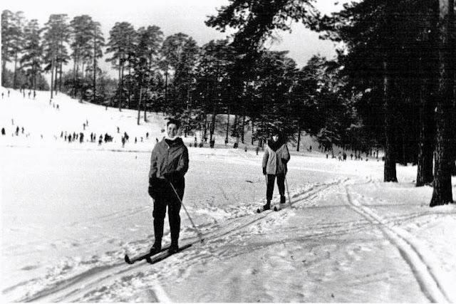 1966 год. Рига. В Межапарке на лыжах песчанка