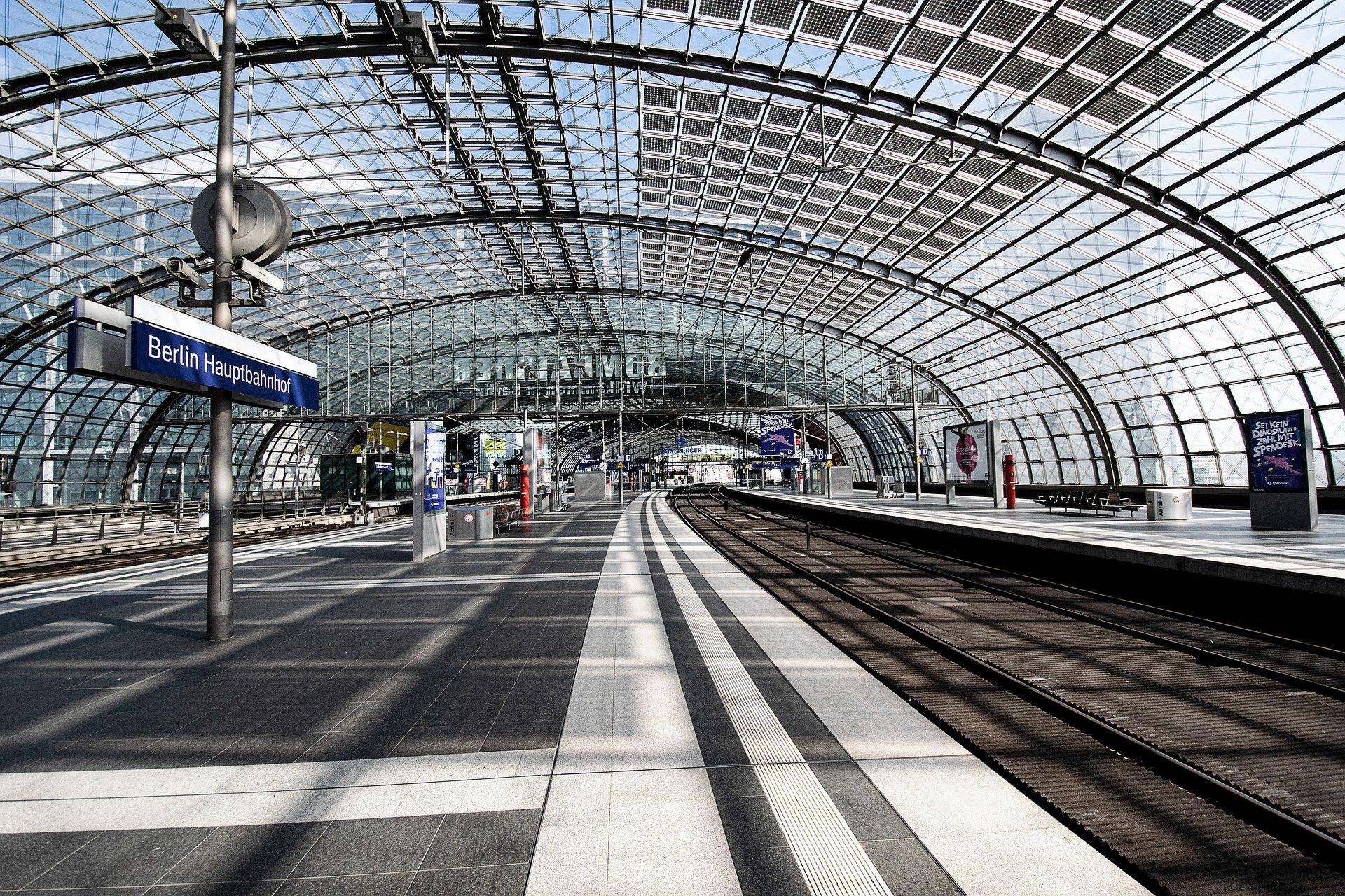 Estação ferroviária de Berlin vazia